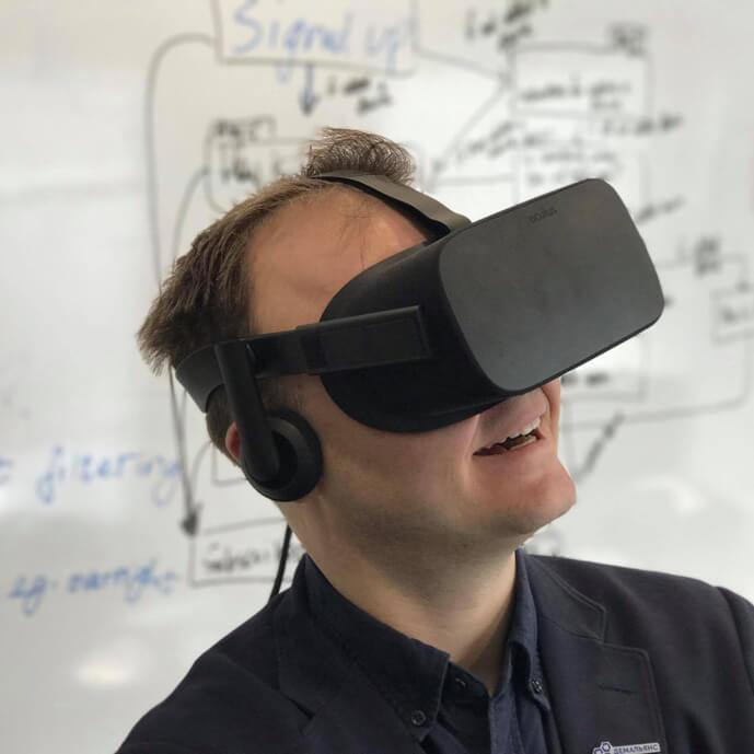 Viktor trying VR
